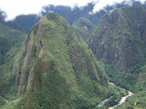 The mountainside around Waynapicchu